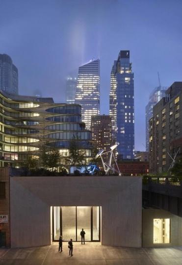 卡斯明画廊位于纽约 509 West 27th Street 的空间及屋顶雕塑花园