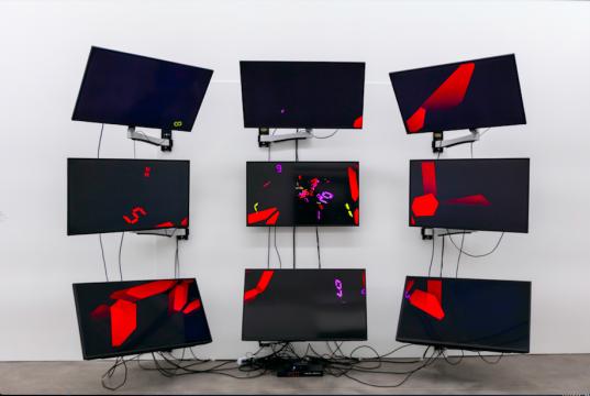 《宇宙时间》242.5×336×70cm CG装置 2018,由宫岛达男工作室提供