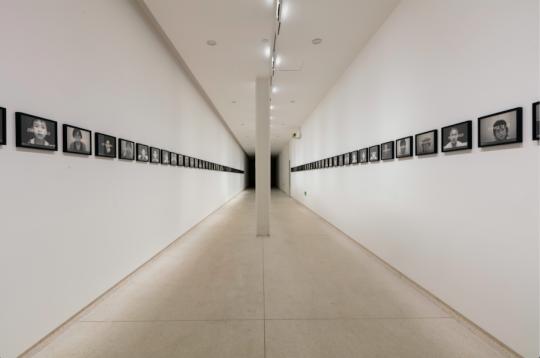 《死亡时钟档案》 22×29×2.5cm×多件2011-2012,由宫岛达男工作室提供