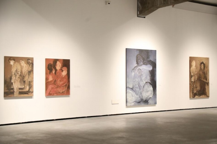 """""""人物""""系列,北京民生现代美术馆""""苏新平""""展览现场"""