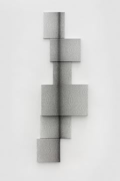 刘文涛 《无题》35.5×28 cm, 40×30 cm, 24×30 cm, 60×40 cm, 40×30 cm, 30×30 cm 布面铅笔 2019