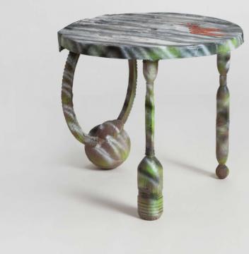 《即兴圆桌(三彩)》87×82×78cm 玻璃钢、喷漆、木与金属内衬 2019