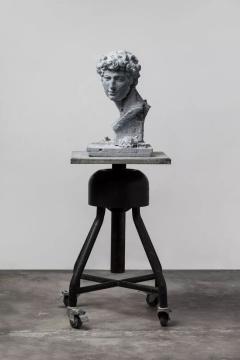 《再塑--小卫》 青石,56 x 34 x 34 cm ,2019