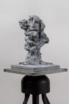 《再塑--马赛曲战士》青石,60 x 38 x 38 cm,2018