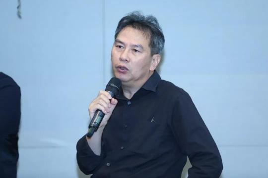 著名艺术批评家、策展人、中国艺术研究院美术研究所外国美术研究室主任、研究员王端廷