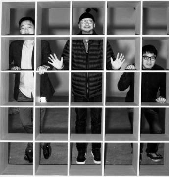 展览策展人刘钢、冯博一、王晓松(从左至右) 摄影:冯立