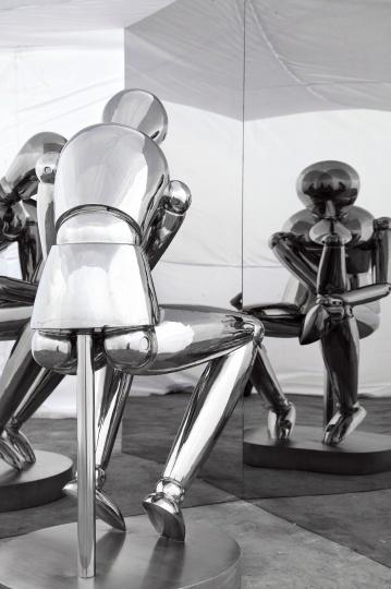 """""""思想者""""不锈钢雕塑"""