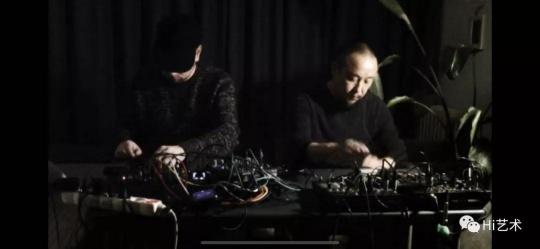 密集音乐会58,米盖尔·阿·加西亚+颜峻:电子即兴二重奏(视频截帧)