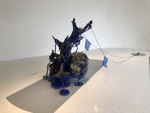 铁木尔·斯琴于2019年创作的《刺柏》