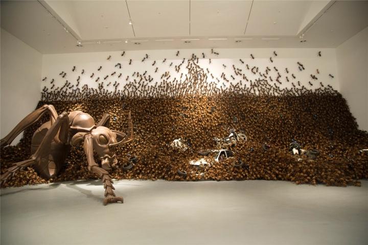一群从漳州迁徙来的蚂蚁,占领了上海这个美术馆
