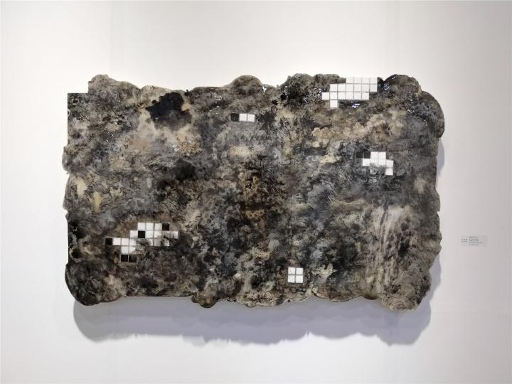 游东醌《云痕系列之四》83×133cm 石膏板、综合材料 2019