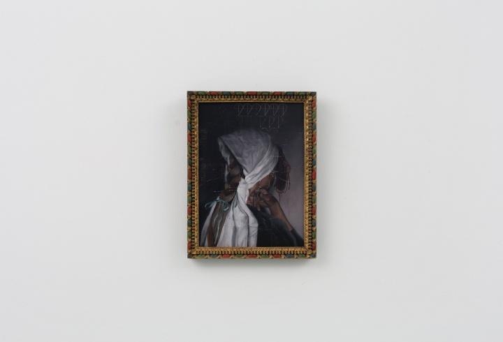 时永骏《白色毛巾下露出的毛线辫子》72.5×60.5cm 布面油画 2019