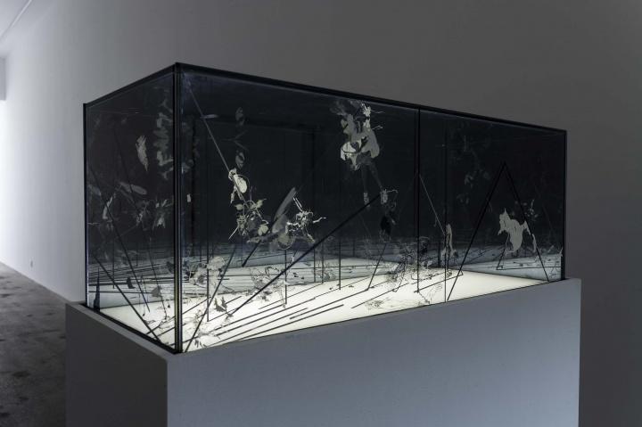 """2016年,沈瑞筠在杨画廊的个展""""层见迭,节外生"""",这是她在国内的首次大型个展"""