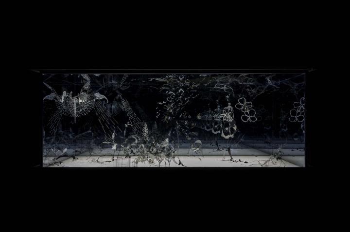 沈瑞筠《天鹅湖》300×300×250cm 综合材料 2016