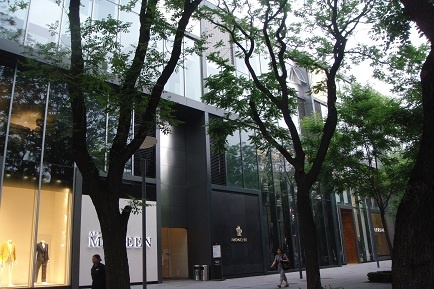 活跃于2010-2012年间的三里屯北区二楼的画廊区
