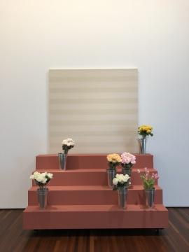 """瑞士艺术家John M Armleder(约翰·M·阿姆利德)的""""家具雕塑""""作品《张力》"""