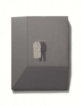 《两件大衣》 90×70cm 板上综合材料 2019
