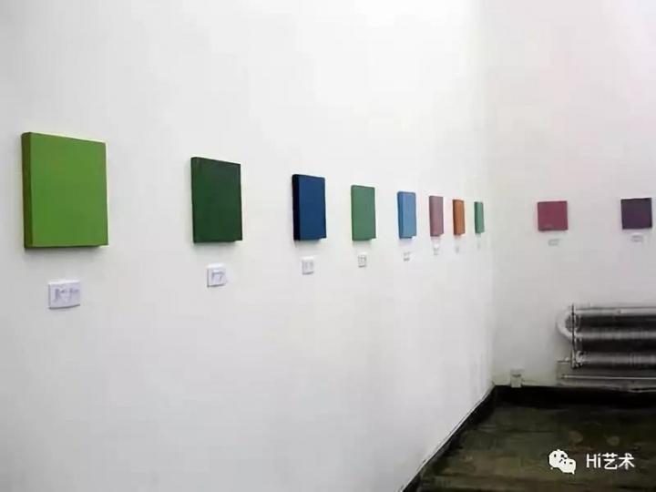 """栗宪庭于2003年策划的展览""""念珠与笔触"""""""