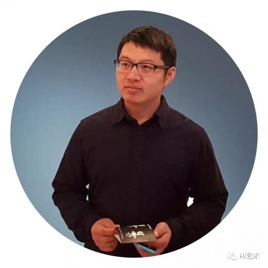 王晓松  策展人