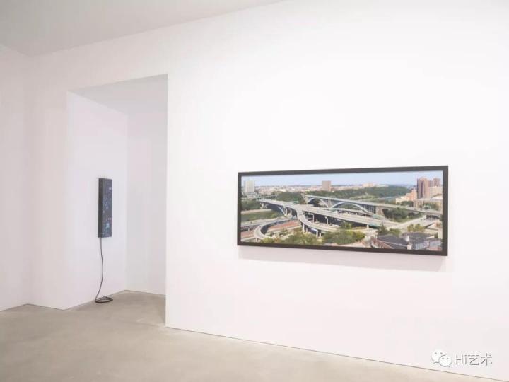 """2018年许宇在卓纳香港策划的群展""""璀璨都市"""""""