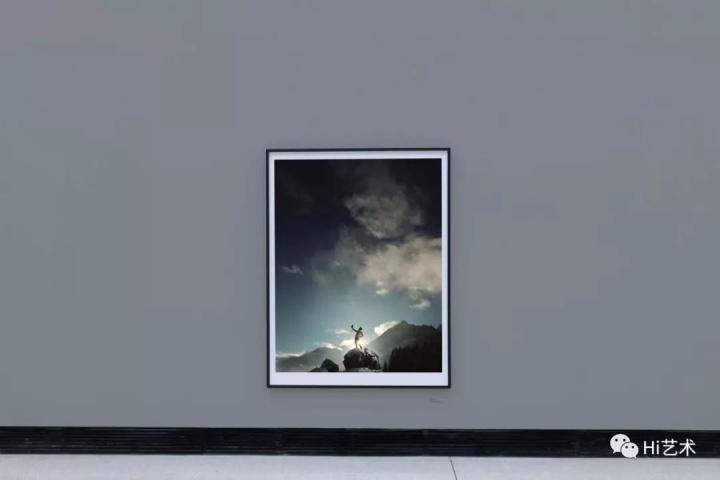 """""""安德里亚斯·穆埃:摄影""""展览现场 2018"""