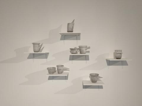 制陶手艺人徐亮的不规则陶器