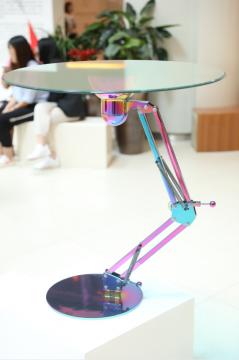 王舒玉《皮克斯桌》不锈钢 钢化玻璃