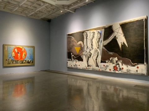 刘锋植《红日》175×250cm 布面油画 2008(左)  刘锋植《无题》300×600cm 布面油画 2006 (右)