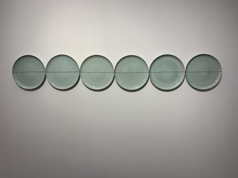 刘建华 《无题2012》 尺寸可变 瓷 2012