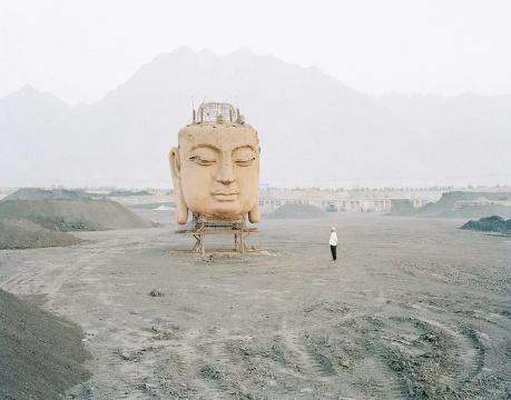 《煤厂里的佛像》2011
