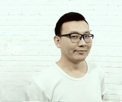 牛文博 1989 出生于河北衡水, 2014 毕业于天津美术学院综合绘画系,获学士学位 现工作生活在北京