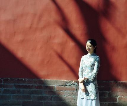 查美男 1987 生于重庆 2013 毕业于四川美术学院中国画系,获硕士学位 现生活工作于重庆