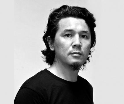 张琪凯 1967 出生于北京 1992 毕业于中国美术学院油画系 2002 毕业于意大利米兰国立艺术学院艺术系 2003 毕业于意大利米兰设计学院多媒体专业 现生活和创作于北京