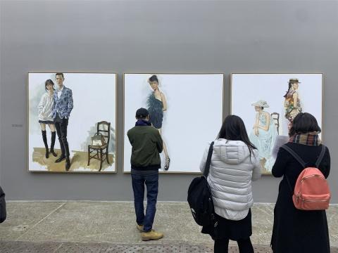 """当代唐人艺术中心人满为患,陈丹青迄今最大个展""""退步"""""""