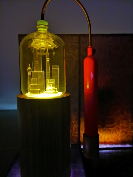 麦克·凯利 《坎多城 1》综合材料、有声影像投影 2007