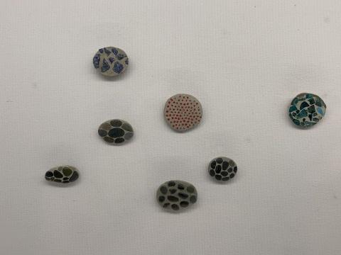 石头、水泥、玻璃……还有什么不能被她做成艺术首饰