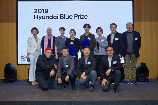 主办方与HBP2019中国策展人大奖获奖者合影