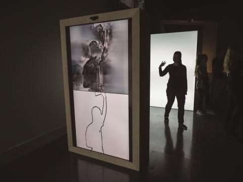 奥地利电子艺术未来实验室《SHADOW GAN》