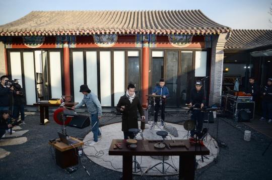 现场演奏包含老北京响器的现代音乐作品