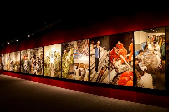 中国写实派艺术家集体创作《热血五月·2008》 200×2000cm 布面油画 2008
