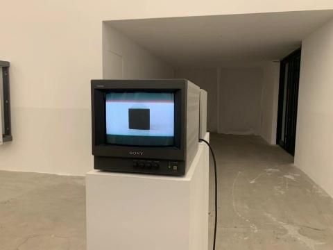 《距离3》 录像,双屏 一对监视器 2015-2019