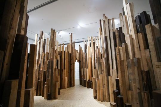 二号展厅的《城市森林》沉浸式作品