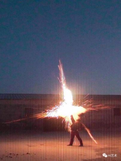 厉槟源《正义》100x75cm摄影, 行为 2011