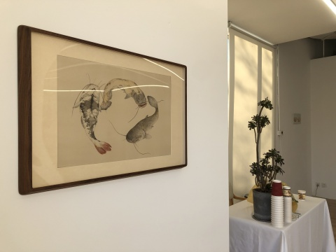 陈督兮 《三鲶图》 50×70cm 绢本矿物材料 2019