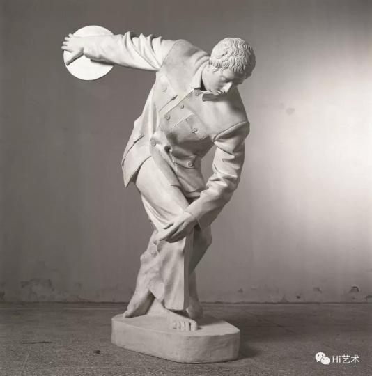 《衣纹研究—掷铁饼者》 铸铜喷漆,雕塑a 1998