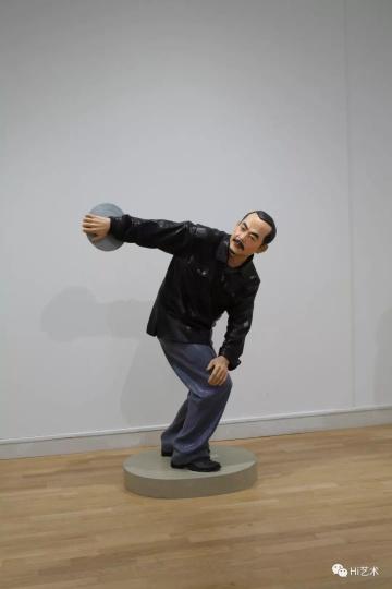 《衣纹研究—新掷铁饼者》 玻璃钢喷漆,雕塑h 2003