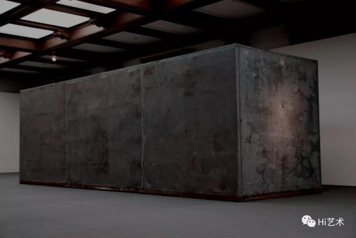 《被限制的行动》金属与电器机械 250x250x800cm 2011