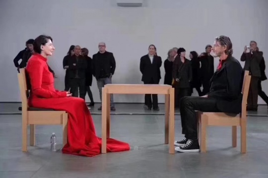 德国艺术家乌雷逝世,阿布拉莫维奇发声:他的艺术遗产将永存