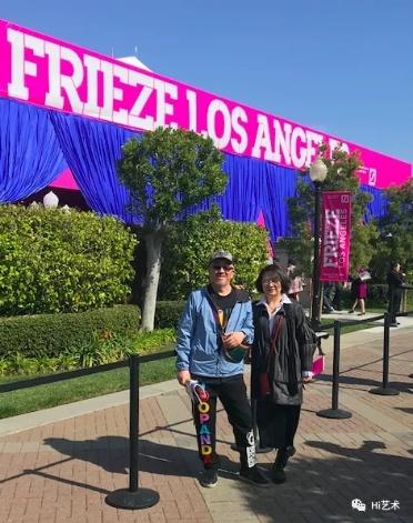 2020年2月14日,汪海涛和妻子一起参观弗里兹洛杉矶艺博会。在此之后,汪海涛原计划的香港、法国、瑞士行程全部取消。(图:汪海涛)