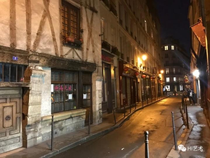 周末黄金时段的巴黎中餐一条街冷冷清清。这张照片拍完的当天晚上,政府宣布关闭所有餐馆,之后宣布所有人居家隔离。(图:任瀚)